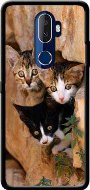 Three cute kittens in a wall hole Case for Alcatel 3V